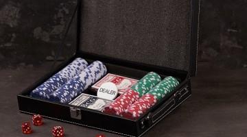 У друга скоро день рождения? Подари ему Покерный набор!