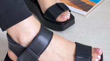 Стильные и модные сандалии.